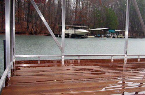 toe rail on wahoo floating dock